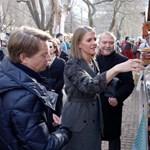 Fotók: A mangalicák közé ment Budapesten az új amerikai nagykövet
