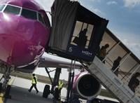 Több százezer forintba kerül felkerülni a kormány USA-ból és Kanadából érkező mentesítő járataira