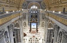 Ingatlanbotrány miatt távozik a Vatikán egyik bíborosa