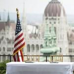 Demokrata szenátorok: akkora az orosz befolyás Magyarországon, hogy újra élni kellene a kitiltással