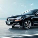 Töltőre vele: 5 méteres új luxus hibrid a Volkswagentől