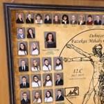 Nagyon menő a debreceni gimis tabló, megmozdulnak a képek, mint a Harry Potterben