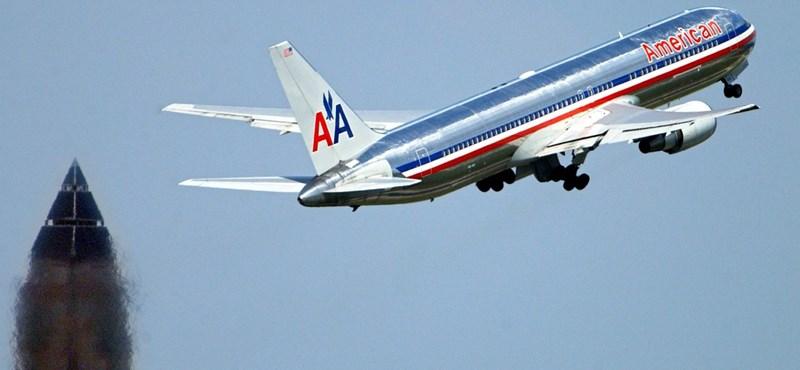 Óvatosságra intik a feketéket az American Airlines járatain