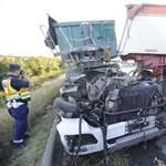 Fotók: Emiatt a szörnyű kamionbaleset miatt állt be az M3-as