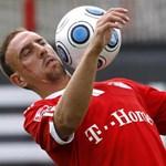 Ribéry egyelőre utazó, csere kapusposzton a franciáknál