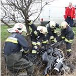 Két motoros ütközött, teljes az útzár a Pilisben