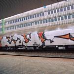Felismerhetetlenre fújtak össze újabb vasúti kocsikat, most a Déliben – fotó