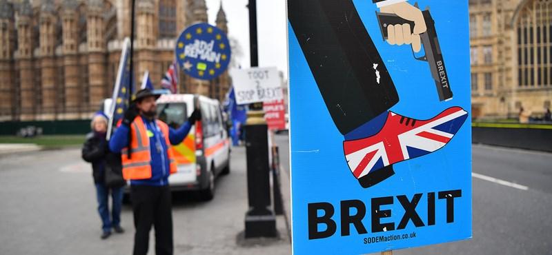 Harmadszor is leszavazta a brit parlament a Brexit-megállapodást