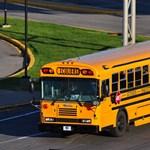 Drasztikus váltás: négynapos lesz az iskolai hét, csökken a dolgozók bére