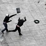 Guardian: szétesőben van a görög társadalom