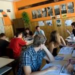 Ingyenes nyelvtanfolyamok: százezren tanulhatnak ősztől