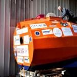 Fotó: Irányíthatatlan hordóban szelte át az Atlanti-óceánt egy 71 éves francia férfi
