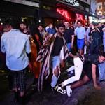 Három hónap absztinencia után elszabadult a tömeg London bulinegyedében
