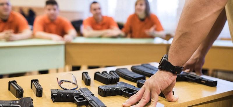 A nap képei: szabolcsi középiskolások fegyverben