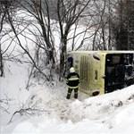 Többen megsérültek egy magyar turistabusz ausztriai balesetében