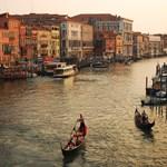 Döntöttek Velencében: mégis bevezetik a napidíjat