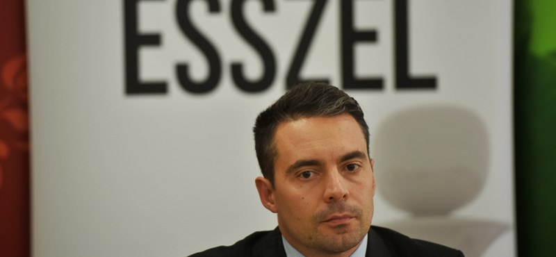Dől a pénz a Jobbikhoz