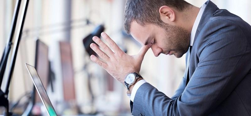 Depressziósan az irodában: hogy ismerhetjük fel a jeleket?