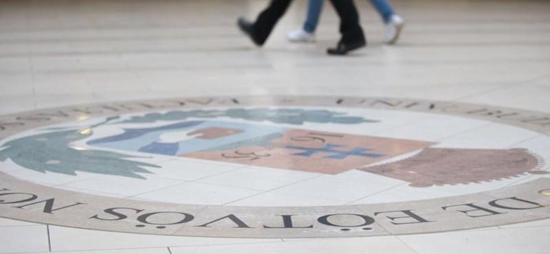 """""""Visszafordíthatatlan, káros, méltatlan"""": a felsőoktatási finanszírozás átalakítását követelik"""
