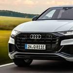 Magyarországon a 462 lóerős, zöld rendszámos Audi Q8
