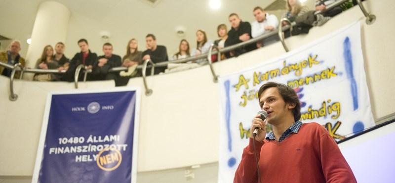 Diáktüntetések: több száz hallgató gyűlt össze a Pécsi Tudományegyetemen