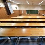 A Debreceni Egyetem több kara digitális oktatásra áll át