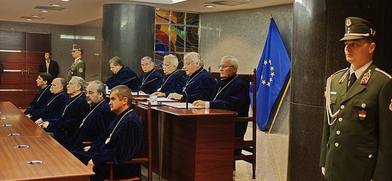 Megszűnő Ab-eljárások: most 12 ombudsmani indívány van folyamatban