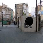 Street art percek: agyonnyom a fekete lyuk