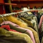 Használt ruhákat lehet adományozni az Örkény Színháznak