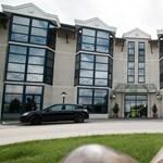 Népszava: minisztereket kezelhetnek a Telki kórházban
