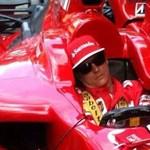 Räikkönen Ferrarival fog száguldozni a Lánchídon