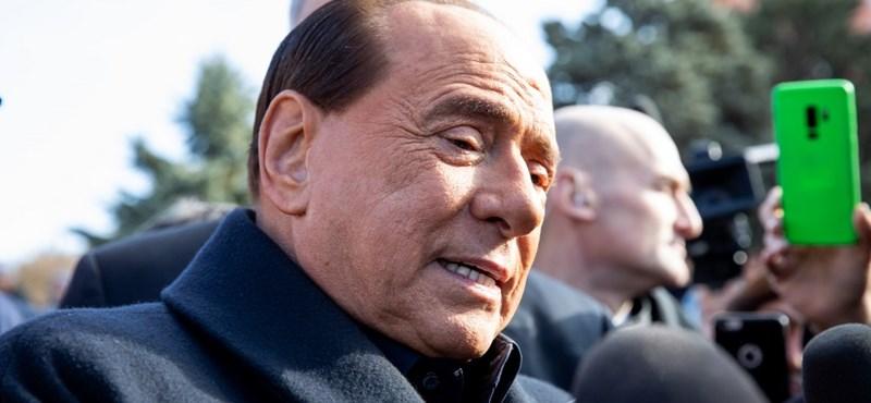 Silvio Berlusconit kiengedték a kórházból