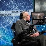 Odaadták egy brit kórháznak Stephen Hawking lélegeztetőgépét