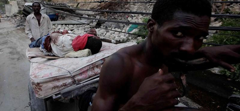 Összecsaptak a rendőrökkel a haiti tüntetők