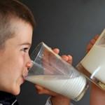 Az áruházak azt ígérik, tényleg olcsóbb lesz a tej az áfacsökkentéstől