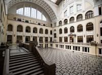 Nyugdíjazza az oktatóját a Debreceni Egyetem, aki bosszút sejt