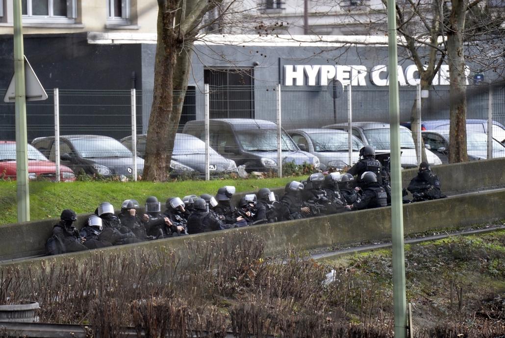 afp. Saint-Mandé, kóser bolt - lövöldözés Párizsban, Párizsi vérengzés, Charlie Hebdo, túszejtés, túszdráma, Dammartin-en-Goele, 2014.01.09.