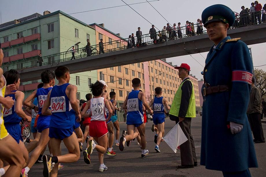Észak-Korea: ilyen egy diktatúra maratonja - Nagyítás-fotógaléria