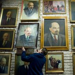 Amerikában árulják a rettegett Stasi hatalmas Leninjét és vörös csillagát