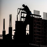 Két évig biztosan pörög még az építőipar, és talán már a kisvállalkozók is labdába rúghatnak