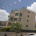 Megnyílt a Jeruzsálembe költöztetett amerikai nagykövetség, Gáza határán vérfürdő volt