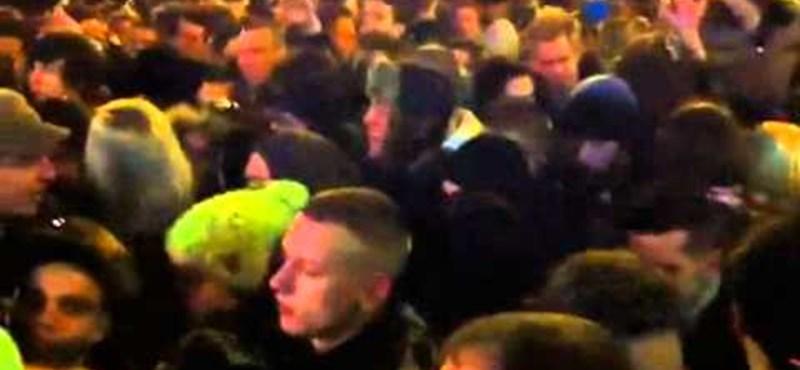 Pánik és három halott a Nyugati téren, a rendőrség szerint nem volt késelés