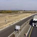 Halálos baleset miatt lezárták az M2-es utat