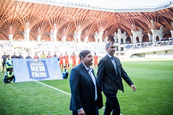 Heti 80 ezer embert vártak az új stadionokba, a negyede sem jött össze
