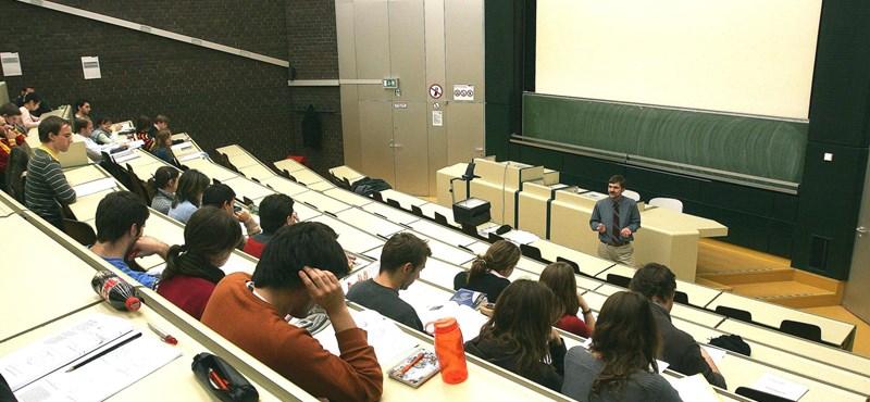 FDSZ: a lemorzsolódó egyetemisták fizessék vissza a képzés költségeit