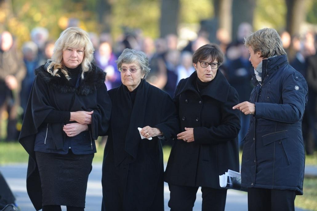 tg. Göncz Árpád temetése, 2015.11.06. Óbudai temető, Feleség