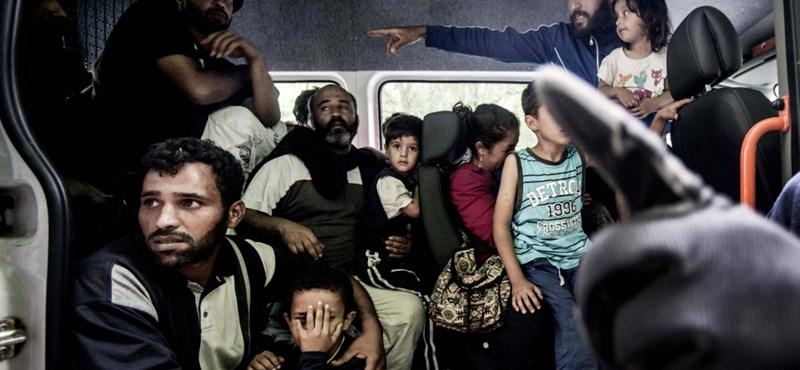Csak hiszed, hogy a kormány enyhít a menekültellenességén!