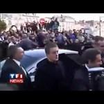 Videó: tojással dobálták meg Sarkozyt