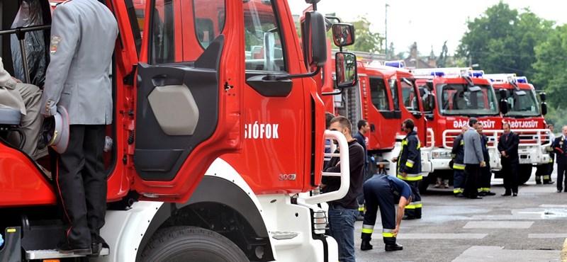 Füst miatt kellett kiüríteni egy hotelt a pesti bulinegyedben