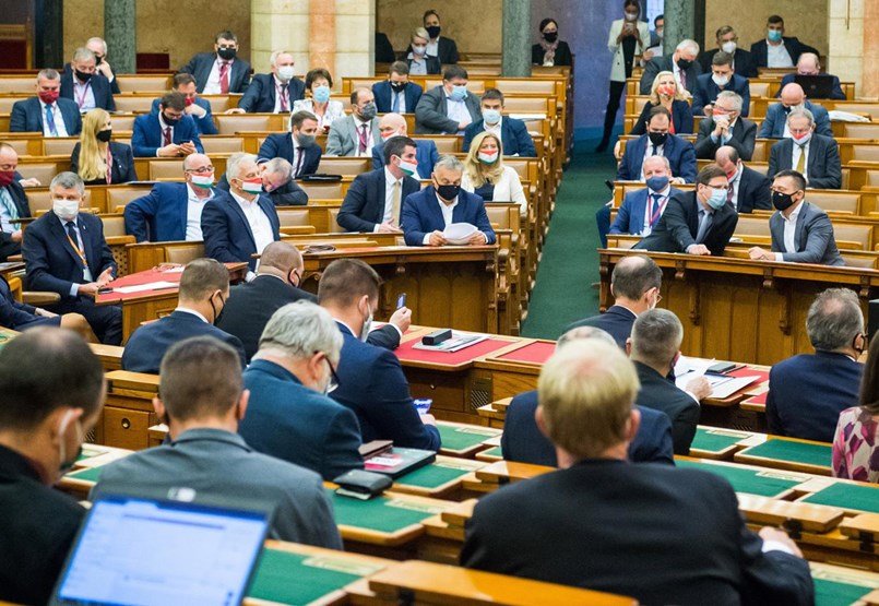 Választási törvény: gereblyére lép a Fidesz, vagy szétzúzza az ellenzéket?